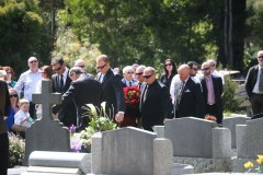 3--Pallbearers-and--the-headstones